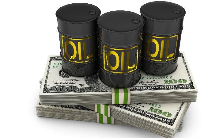 原油価格はなぜ「急落」しているのか?原油価格の下落の原因と影響について